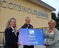 Mike Tindall opens Cotswold Leisure Centre